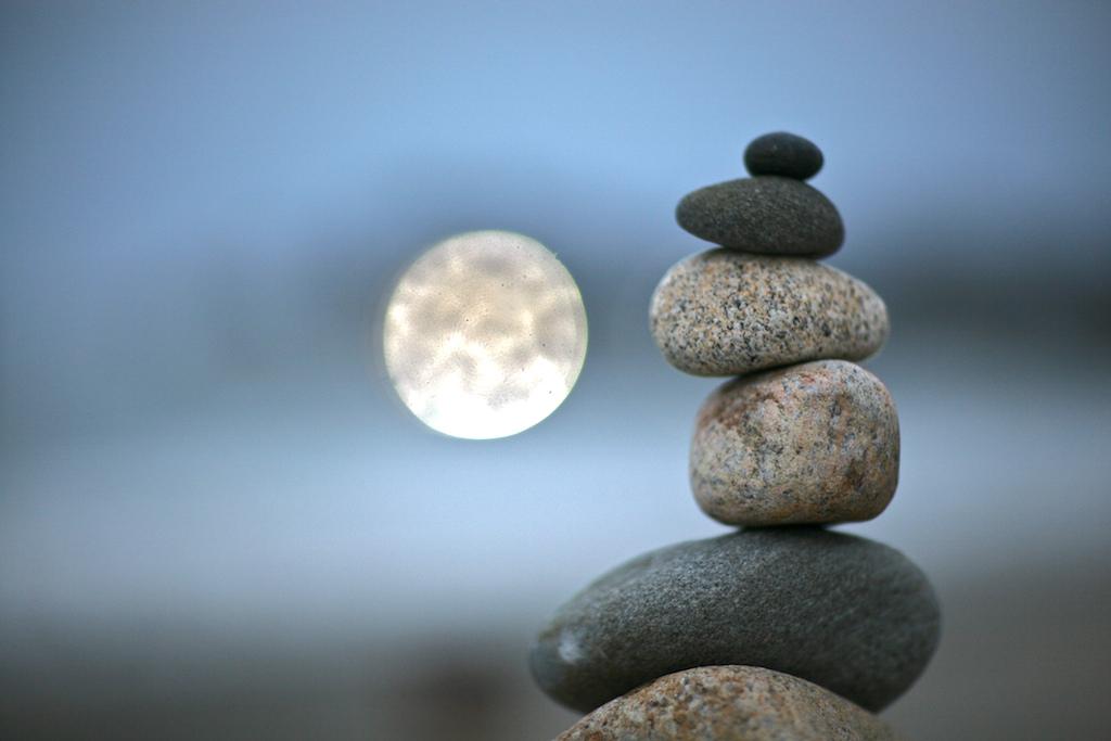активно картинка с камнями в равновесии чечни привык